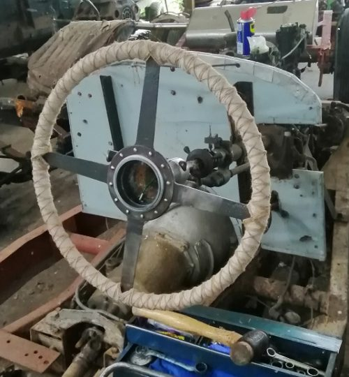 String wrapped steering wheel for the 30's feel.
